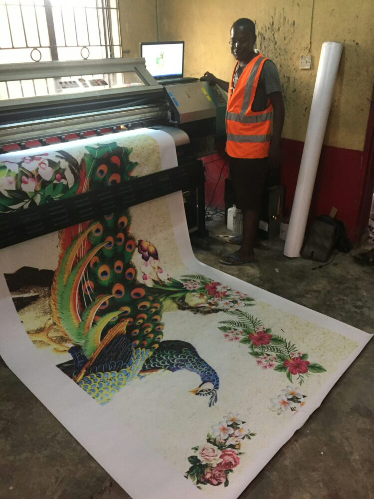 Producing 3d mural wallpaper